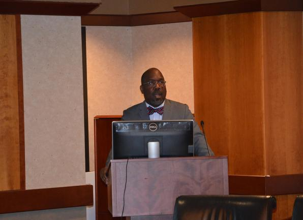 Reginald Tucker-Seeley, ScD, spoke about financial well-being and health at the October 15 meeting of the Georgetown Lombardi Survivorship Research Initiative.